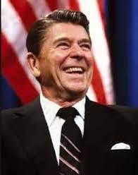 صور ماهي اول مهنة امتهنها الرئيس الامريكي رونالد ريجان