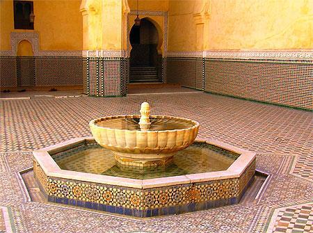 بالصور نافورات منزلية مغربية داخل الصالة نوافير ماء جميلة 20160806 385