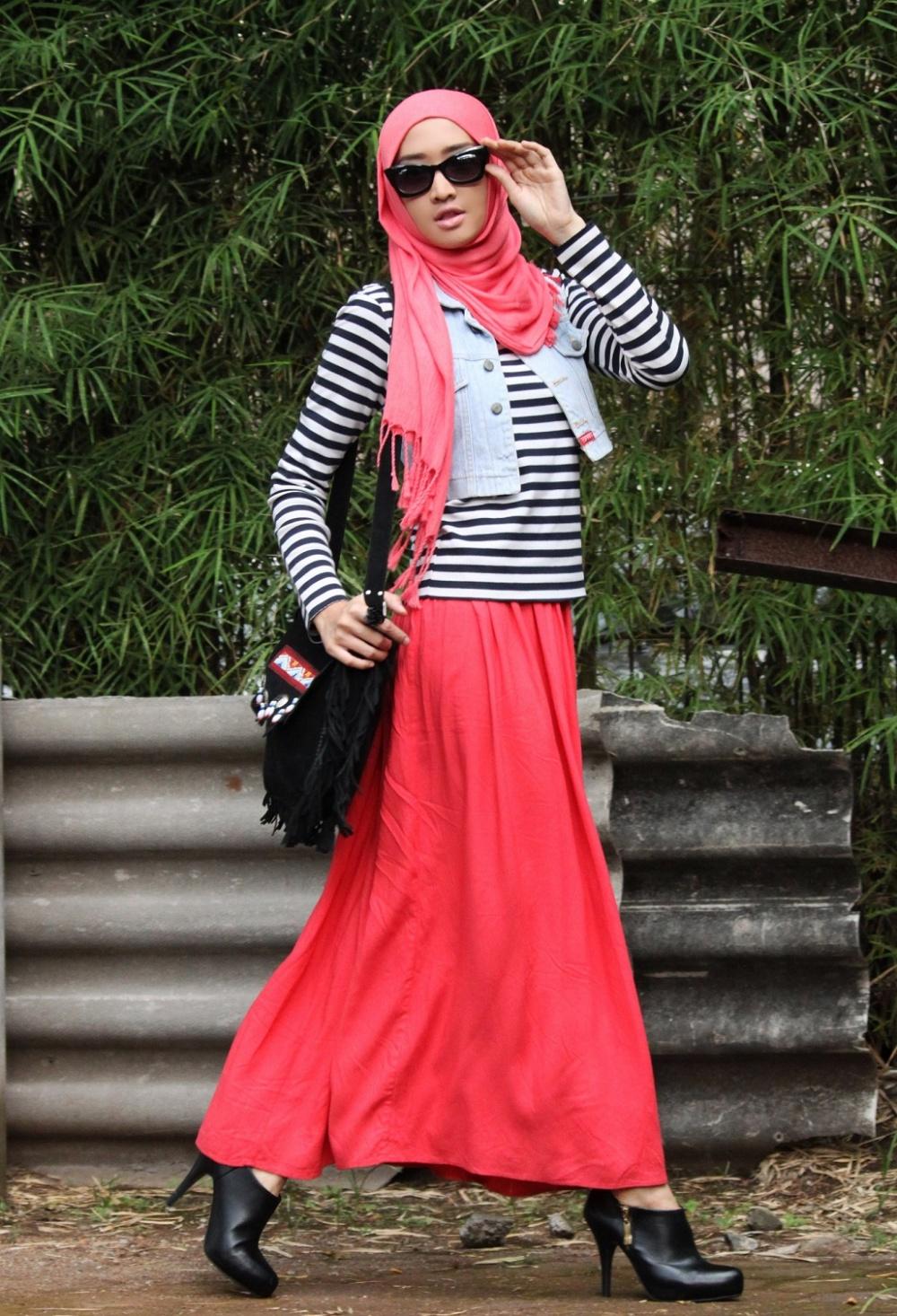 صورة صور فستان طويل وجاكيت من فوقه احدث فساتين مع الجاكيت