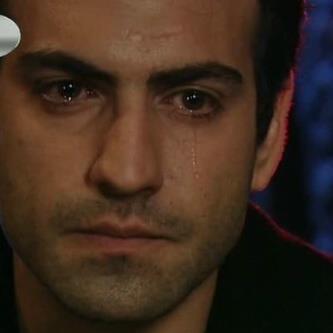 صور صور دموع الرجل بعد الفرق