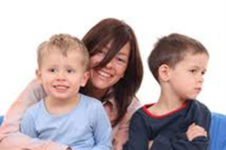 صور طريقة لتخلص من الغيره بين الاطفال