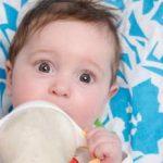 التغذية السليمة للطفل في الشهر الرابع
