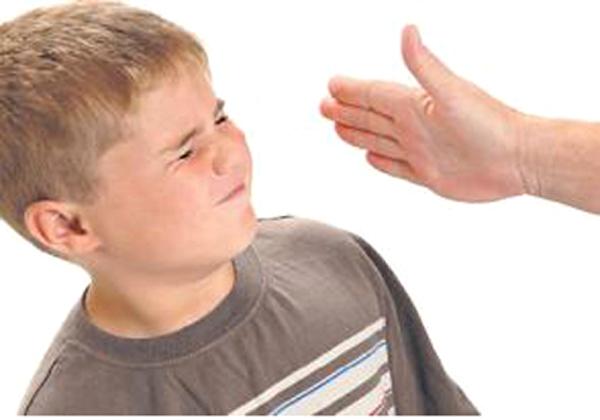 صور ضرب الطفل على الوجه