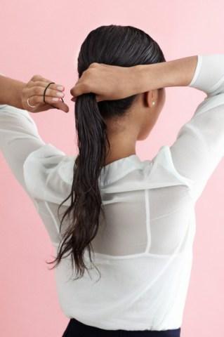 بالصور كيفية عمل تسريحة الشعر المبلل 20160911 619