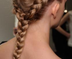 بالصور كيفية عمل تسريحة الشعر المبلل 20160911 77