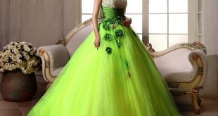 فستان اخضر للخطوبة
