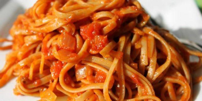صور طرق سهلة لعمل المكرونة بقطع الطماطم