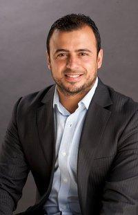 صور الداعيه مصطفى حسني