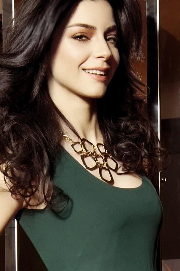 صور ومرفي بولفور الممثلة التركية