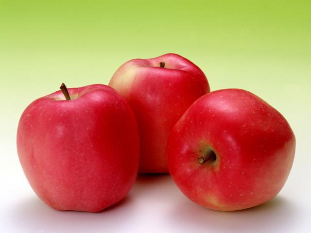 صور حلم اكل التفاح