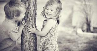 صور وهكذا اصبح الفتي والفتاة اللذان كان طوال حياتهما يلعبان معا زوجا وزوجة
