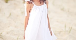صور طفل حلم ارتداء ملابس بيضاء